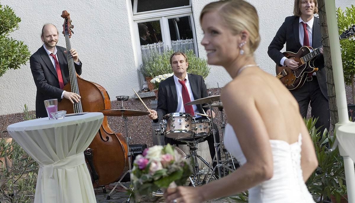 Jazzband Indigo spielt zum Hochzeitsempfang