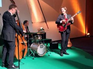 Indigo spielt Lounge-Musik zum Get-together, Messekongress Düsseldorf