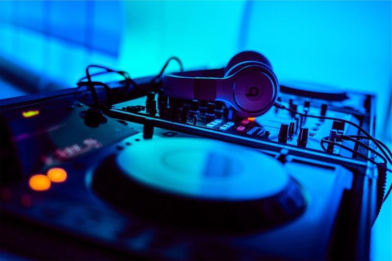 Band und DJ für die Feier